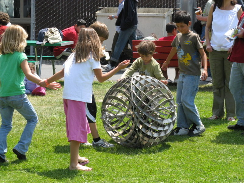 File:Maker-faire-kids.jpg